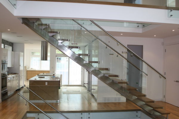 ssgnotion-winnipeg-stairs-middle-stringer-girton-11