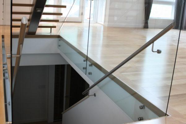 ssgnotion-winnipeg-stairs-middle-stringer-girton-121