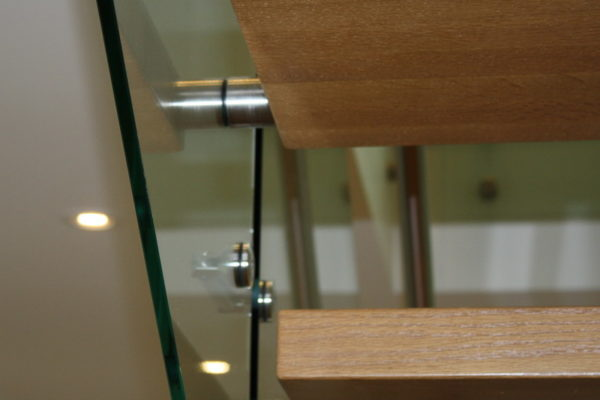 ssgnotion-winnipeg-stairs-middle-stringer-girton-131