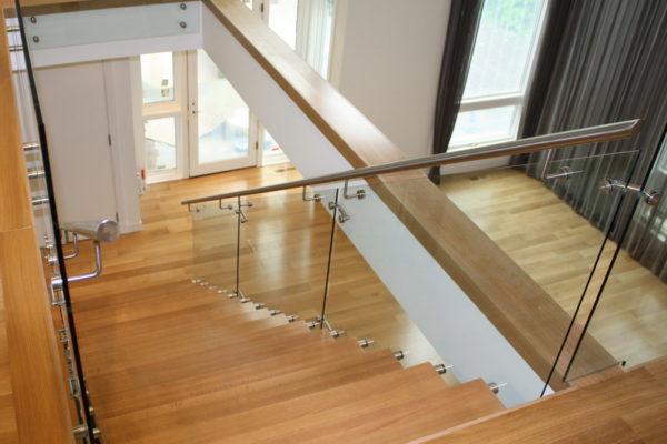 ssgnotion-winnipeg-stairs-middle-stringer-girton-151