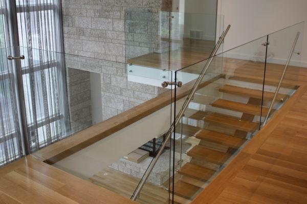ssgnotion-winnipeg-stairs-middle-stringer-girton-171