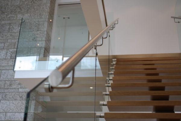 ssgnotion-winnipeg-stairs-middle-stringer-girton-221