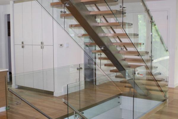ssgnotion-winnipeg-stairs-middle-stringer-girton-41